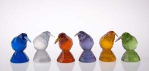 cast glass kiwis - di tocker - dicastglass